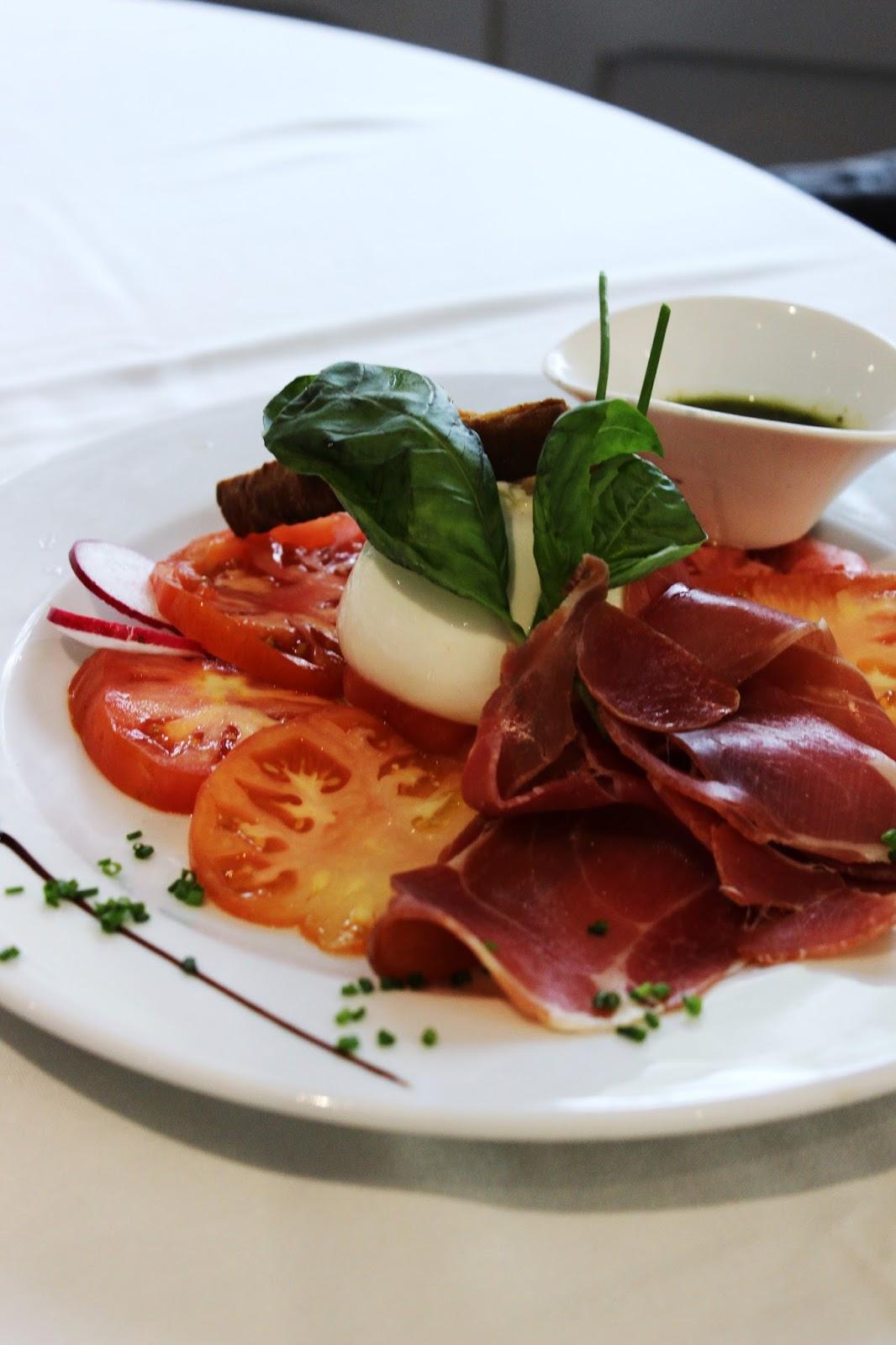 salade-burrata-jambon-cru-terrasses-country-restaurant-aix